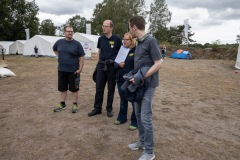 Landes-Jugendfeuerwehrwart André Lang (rechts) besuchte gestern das 17. Kreiszeltlager der Kreis-Jugendfeuerwehr Verden.