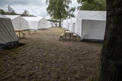 Das Zeltlager während der Tagesfahrt ist leergefegt.